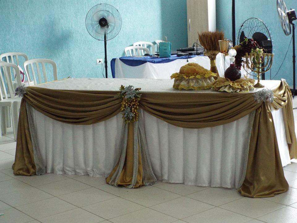 mesas para pasar Santa cena