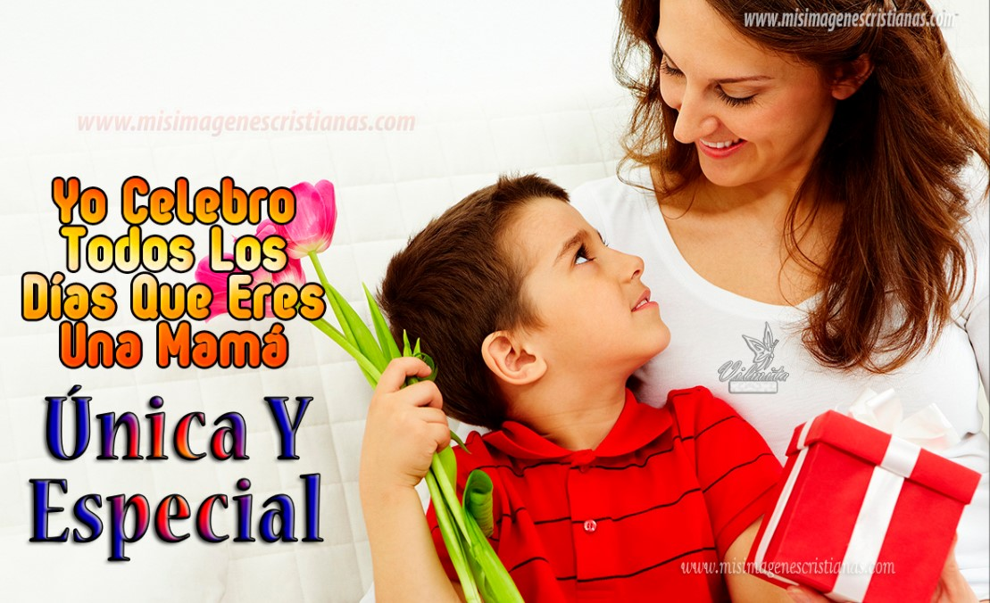 hijo con rosas para su mamá