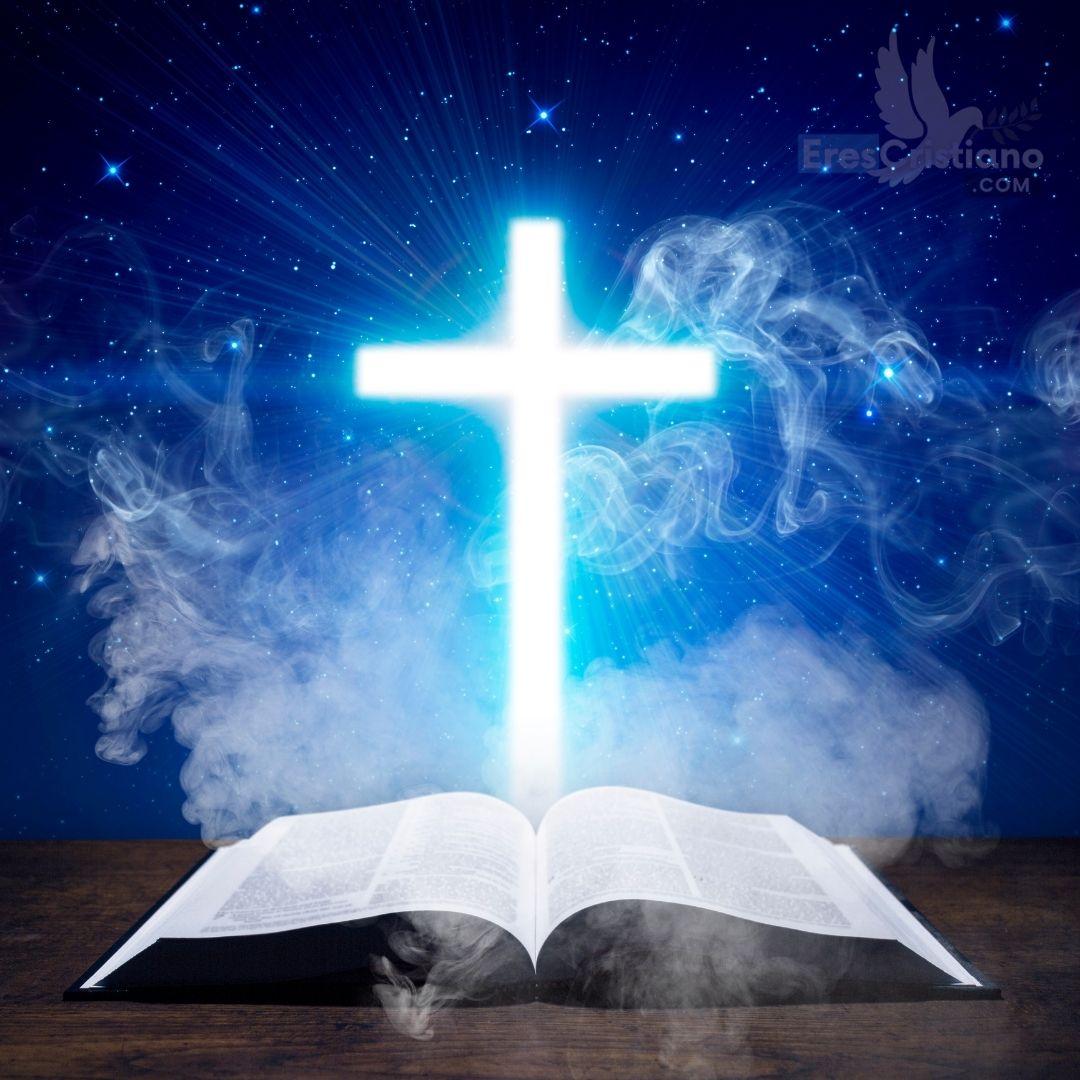 imagen de cruz y biblia
