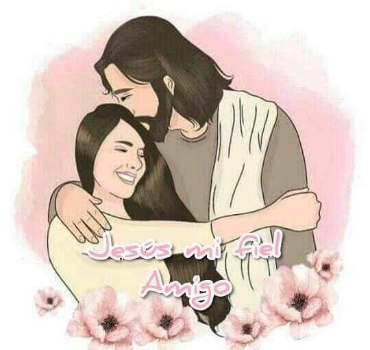señorita abrazando a cristo