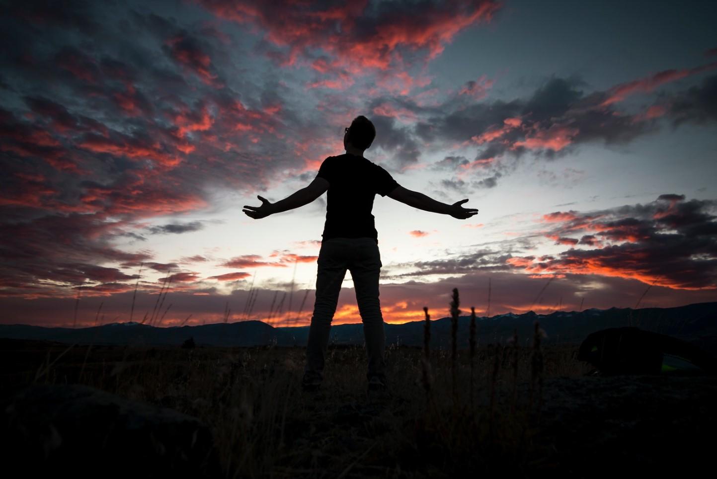 Adorando a Dios a solas