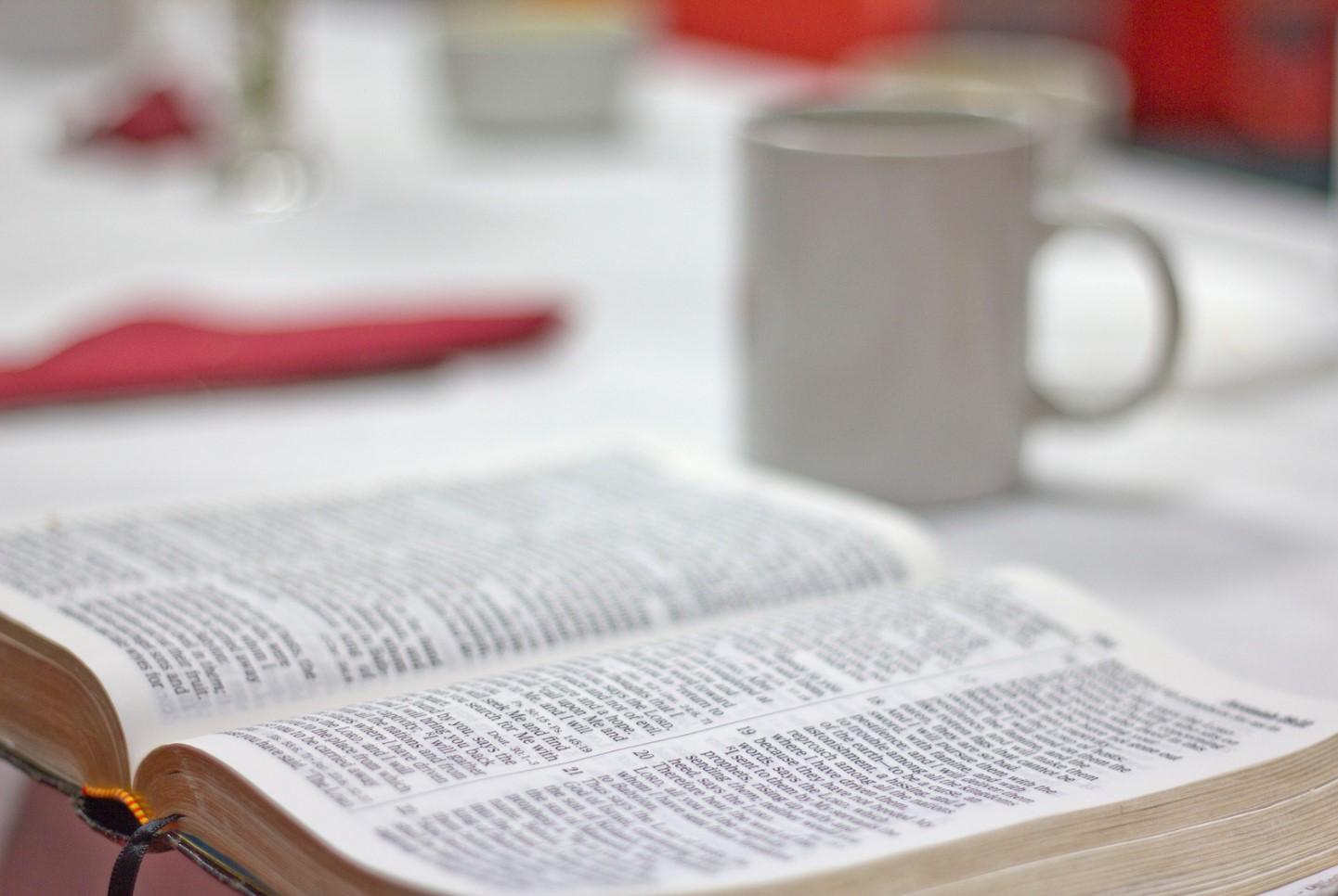café y biblia