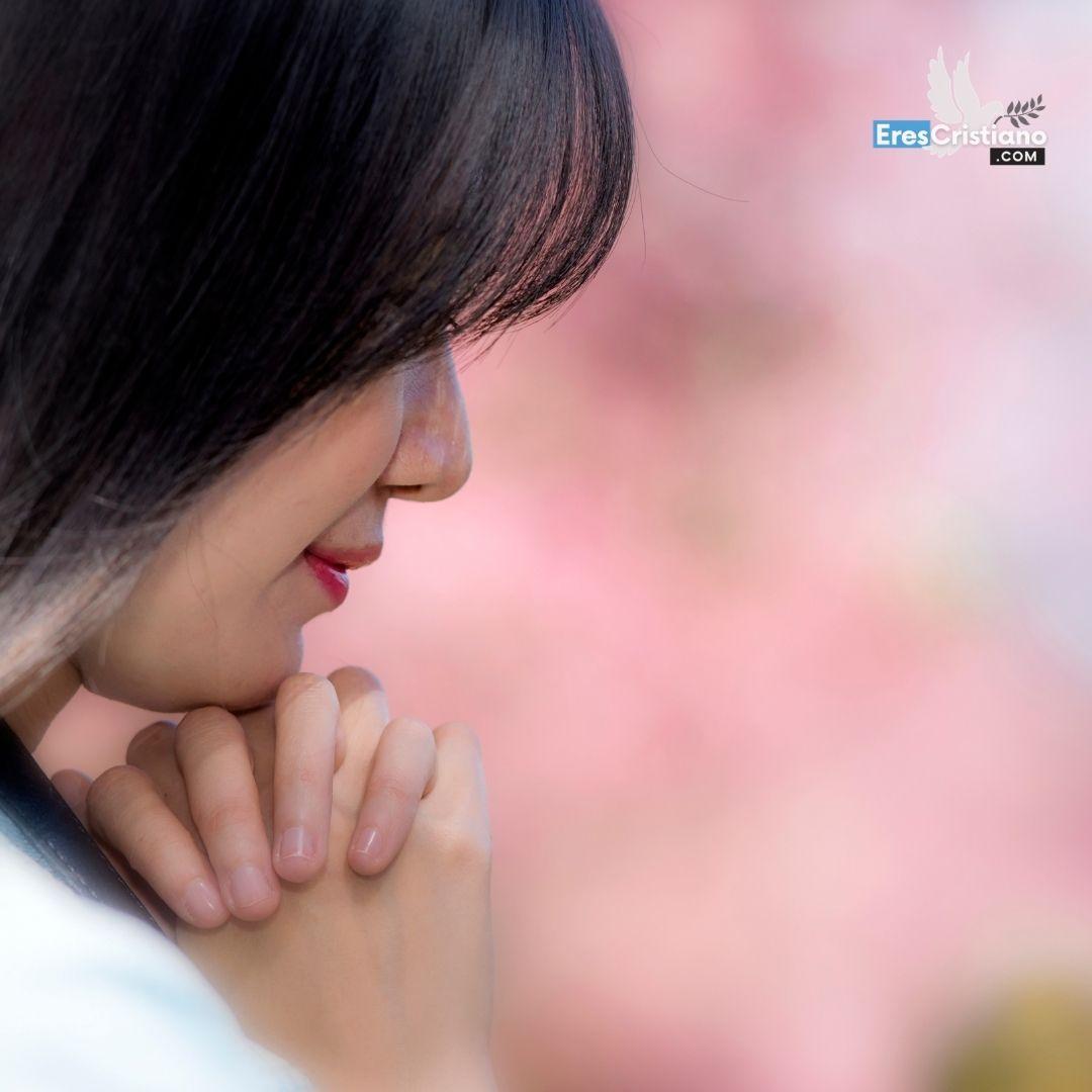 mujer orando png